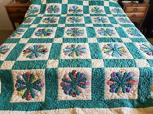 Vintage Handmade Hand Quilted Flower Quilt 74 in x 94 in