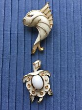 Lot Of TRIFARI WHITE ENAMEL & GOLD TURTLE BROOCH PIN & JJ WHITE FISH BROOCH