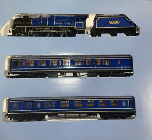 Bachmann Ho. The Royal Scot Train Set. Locomotive, Tender Plus Passenger Cars.