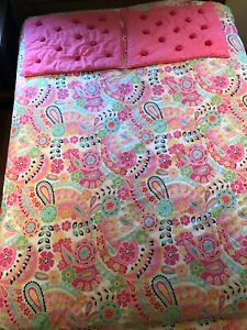Pottery Barn Teen Paisely Pop Pink Queen duvet cover and 2 shams