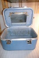 Vintage Train Case Latching top handle Luggage Blue 15 x 8 x 10