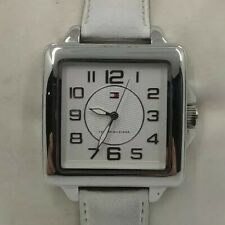 Reloj TOMMY HILFIGER para mujer. Cuadrado, correa blanca