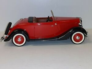 """1:18 """"Solido"""" 1934 Ford Roadster"""