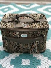 Vintage Jordache Floral Tapestry Overnight Makeup Bag Luggage Carry On