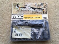 1970s VINTAGE FROG NoF236H FOCKE WULF Ta 152H 1:72 SCALE UNMADE CONSTRUCTION KIT
