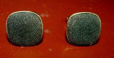 ANCIEN BIJOU de chemise BOUTONS de MANCHETTE PLAQUE OR POINCONNE TISSU NOIR TBE