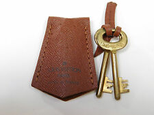 RARE Louis Vuitton Pair of Vintage Keys 2 Brass Leather Pouch Trunk Suitcase 552