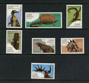 L679  Guinea Bissau 1989   dinosaurs   7v.  MNH