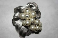 Vintage PEARL WITH DANGLES PIN/PENDANT