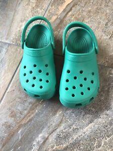 Crocs Women's Green Slip On Clogs Shoes Size W 7 M 5