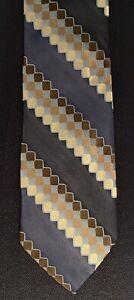 New Barneys New York Geometric Hand Made Italy Silk Tie 3.75 X 57.5