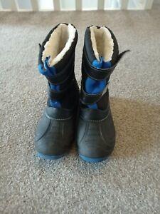 Boys Snow boots Size 33/ Uk 1 Black Blue
