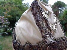 Coiffe ancienne en soie et passementerie métallique