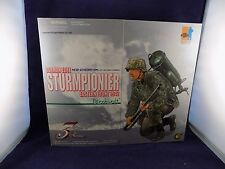 "DRAGON FIGURE WW2 GERMAN  Elite Sturmpionier ""BERNHARDT"" NIB 1/6 Scale (CD) 3)"