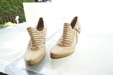 TAMARIS Damen Schuhe Pumps High Heels Leder mit Nieten Gr.40 wie Neu #49