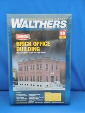 WalthersHO Scale Brick Office Building Kit  #933-4050