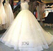 Romantisches Organza Brautkleid Hochzeitskleid mit Schleppe Blumen Kristallen