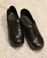 LL Bean Ladies 8 1/2 Clog Slip On Shoe Black Floral Leather Thick Sole