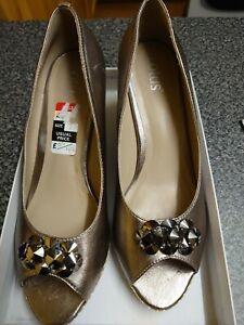BNIB Ladies Lotus Perp Toe Wedged Shoe