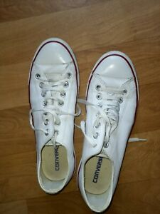 CONVSERSE MENS WHITE TRAINERS SIZE 9
