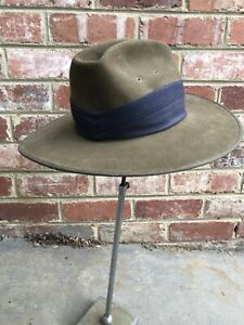 VINTAGE CEREMONIAL SLOUCH HAT COMPLETE WITH NAVY PUGGAREE WAR MILITARY HAT ARMY