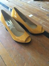 womens michael kors leather yellow wedge Open toe shoes brand new sz 6
