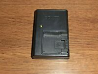 Genuine Sony BC-CSD Wall Battery Charger FOR NP-BD1/ NP-FD1 Batteries