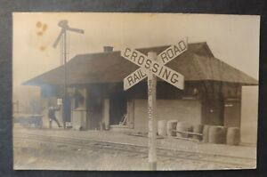 *VINTAGE CENTERVILLE, N.Y. RAILROAD STATION REAL PHOTO AZO POST CARD**B & S R.R.