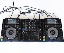 DJ-set: 2x Pioneer CDJ 2000 NXS Nexus + 1x Pioneer DJM 900 NXS + Cavo