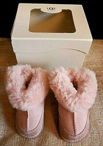 UGG PINK BABY BOOTS I BOO - Boxed UK BABY SIZE M 6-12 Months Foot Length 115mm