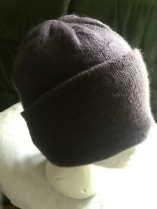 100% Cashmere Plum coloured Beanie Hat By Plum & Ivory NEW