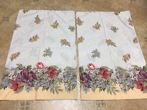 2 Vintage Standard Pillowcase Gloria Vanderbilt Tastemaker JP Stevens Floral