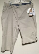 NWT Woolrich Vista Point Eco Rich Capris Womens Sz 14 Khaki Shorts Mid Rise $65