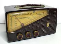 VINTAGE 1950 Zenith Model G724 Chassis 7G02 AM/FM Bakelite Table Radio