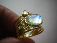 Ring mit Mondstein und grün + rosa Kristall vergoldet moonstone Opal irisierend
