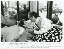 JAMIE LEE CURTIS JOHN CLEESE A FISH CALLED WANDA  1989 VINTAGE PHOTO ORIGINAL