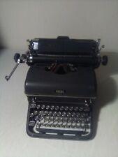 ANTIQUE 1940s Royal Portable Typewriter Works