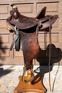 Vintage Western Saddle by D.E. Walker Stock Saddle Co. Visalia, CA. Rare