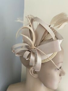 NEW Satin Champagne Nude Gold Wedding Race Day Fascinator Accessories