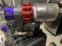 Dyson V10 Motorhead ; Motor, Battery, Filter, Bin.