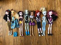 Monster High 8 Doll Lot. Lagoona, Draculara, Clawdeen, Frankie, Dayna