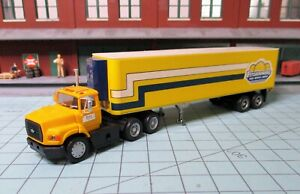 HO scale tractor trailer, Walthers, Ford, Fitzsimmons 40 ft. reefer