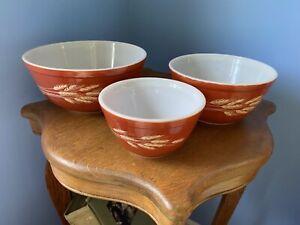 Set of 3 Vintage Pyrex Autumn Harvest Wheat Mixing Bowls #401, 402, 403. Nesting