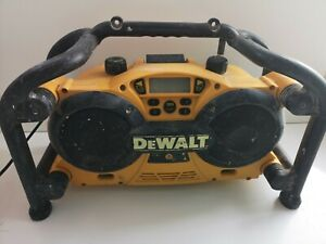 Dewalt DC011 Cordless  Mains Site Radio FM/AM & Aux & 7.2-18V Charger (432)
