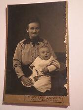 Neuhaldensleben - Frau mit Baby - Portrait / CDV