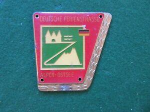 vintage deutsche ferienstrasse alpen ostsee car badge brass enamel