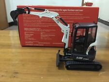 Rare Universal Hobbies Bobcat E26 With Cabin Compact Excavator 1:25 Scale UH8132