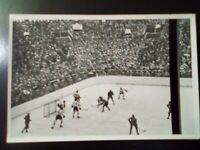 1936 Reemstma Cigarettes~#32 USA vs Deutschland~1936 Olympics EX/NRMT~(RARE)
