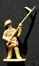 """FIREFIGHTER PLASTIC FIGURE, 2"""" TALL (4,8 cm), GREAT FOR DIECAST ACCESSORIES, N°3"""