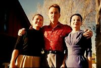 RM05 ORIGINAL KODACHROME 1960s 35MM SLIDE THREE DIGNITY AND GRACE MAN TWO WOMEN